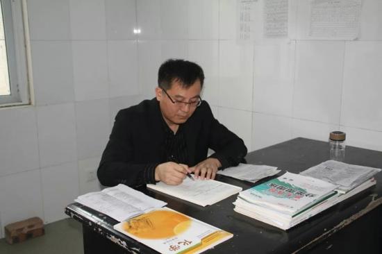 永城市第一高级中学最美班主任成浩:用爱陪伴学生成长