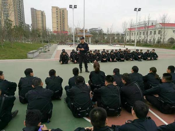 提升实战技能 筑牢忠诚警魂——记巡特警大队副中队长杜雁鸣