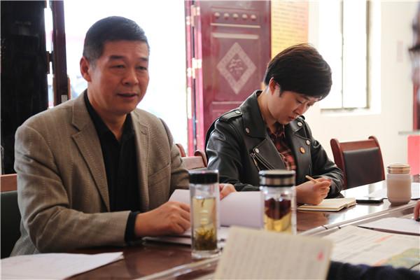 镇平县法院政治部党支部开展城乡支部结对帮建帮扶献爱心活动