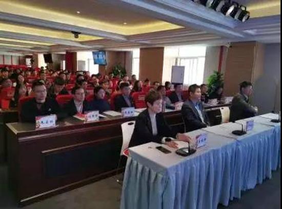 党旗红,企业兴,郑州互联网企业党建培训班圆满结束!