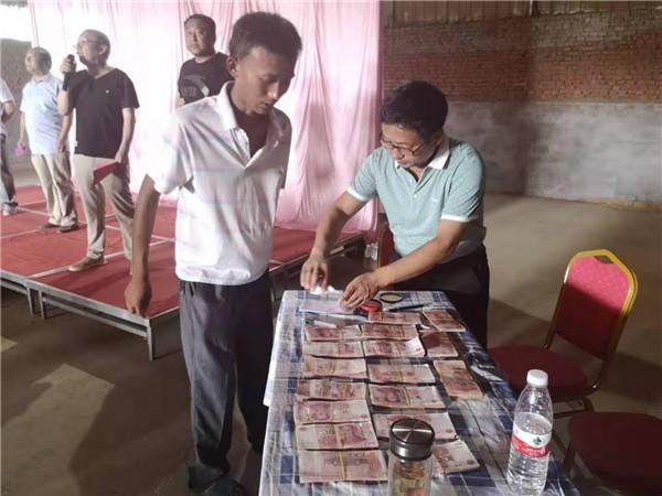 河南唐河:红辣椒变钱串子 特色产业助脱贫