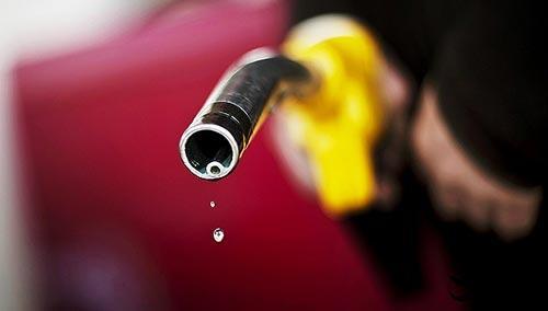 国内成品油价迎年内第十二涨 加满一箱平均多花4元