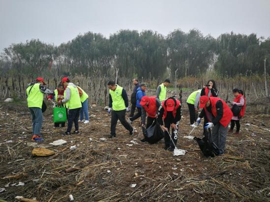 """三门峡职业技术学院开展""""保护母亲河""""环保志愿活动"""
