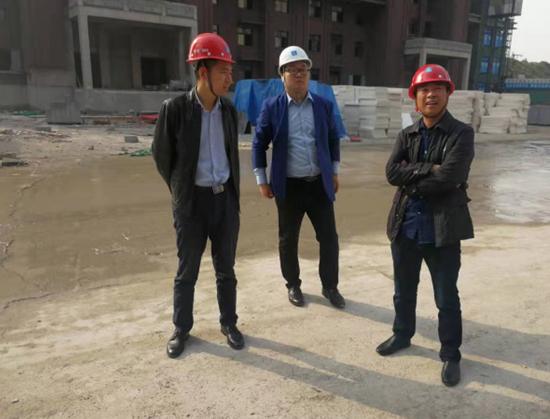 中建七局建装公司节能门窗幕墙加工厂主题教育注重解难题
