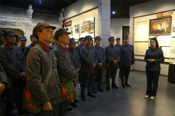 """邓州市公安局在大别山革命圣地举办 """"不忘初心、牢记使命""""主题教育培训班"""