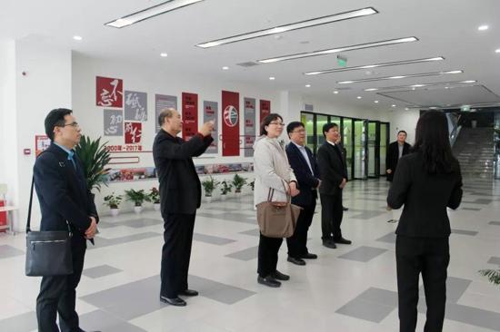 中国民办教育协会刘军书记等调研晨钟党建