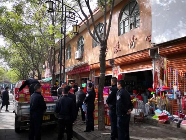 社旗县公安局查处两起非法储存、销售烟花爆竹案