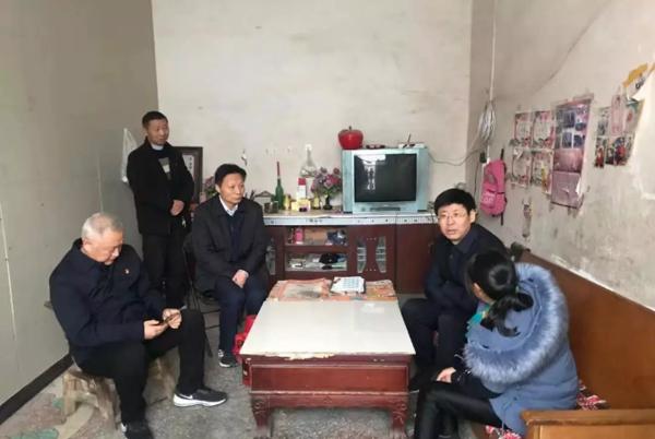 社旗县长张荣印深入乡村督导脱贫攻坚工作