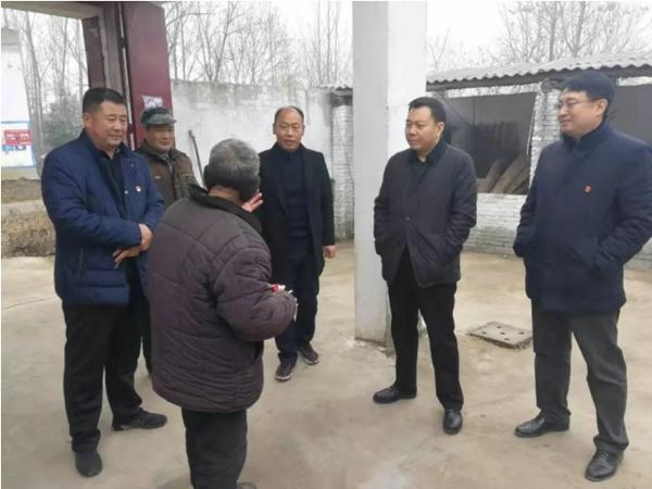 宛城区:褚松涛深入乡村实地调研 与帮扶贫困户一起茶叙餐叙
