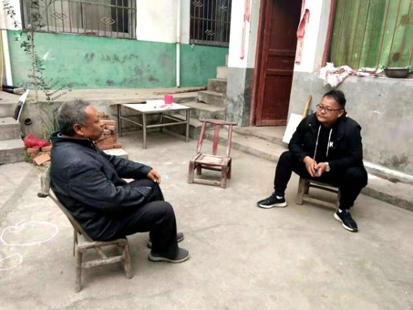 鲁山县梁鹏磊贫困户的贴心人