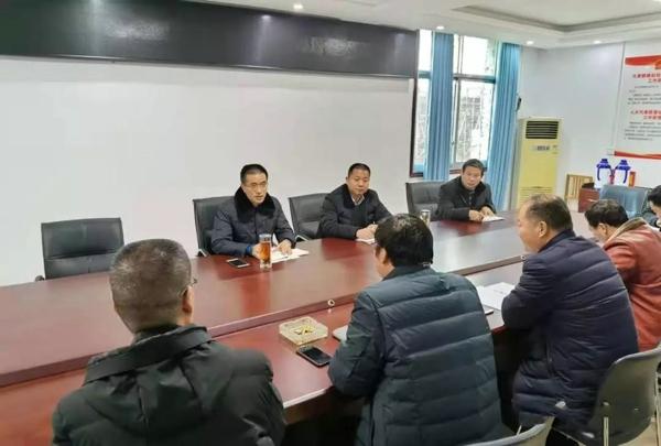 社旗县委常委、组织部长姬欣到兴隆镇督导党建助脱贫和产业扶贫工作
