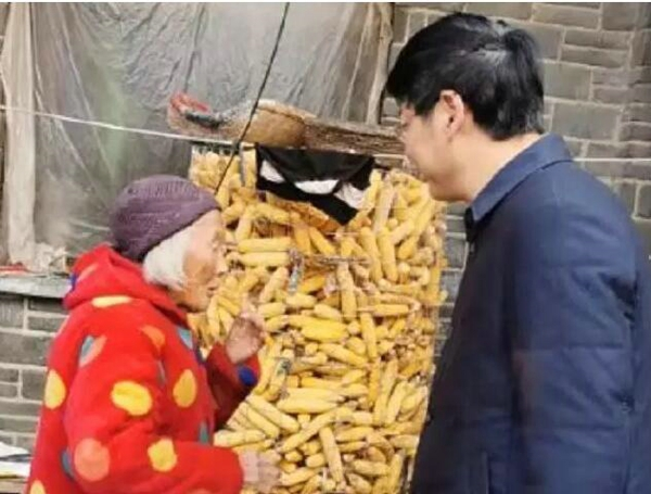 社旗县长张荣印:冬至前日暗访脱贫攻坚