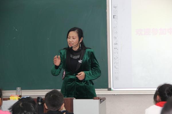 小记者 大梦想——中华校园小记者加入前第一堂课在管城回族区南关小学举行