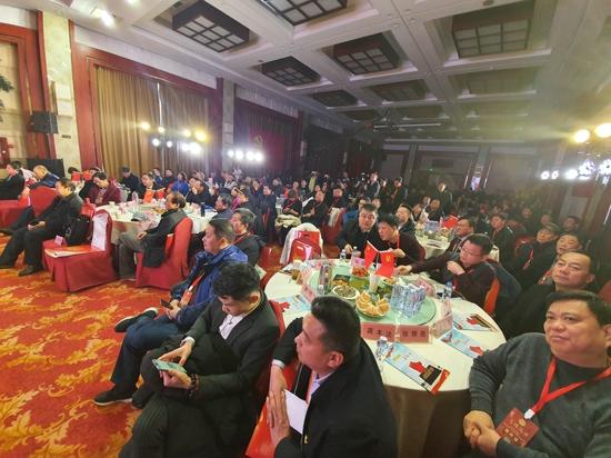 """""""党建、项目""""双引擎 郑州市洛阳商会2020踏上新征程"""