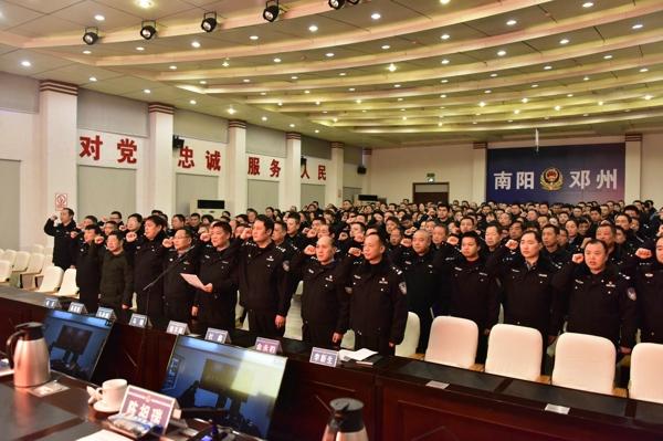 """邓州市公安局以""""走亲戚、回娘家""""的精神状态扎实推进""""百万警进千万家""""活动"""