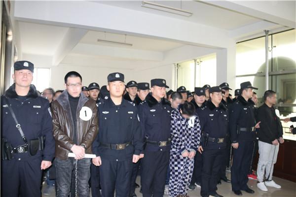 宛城区法院法警队圆满完成重大刑事案件庭审安保任务
