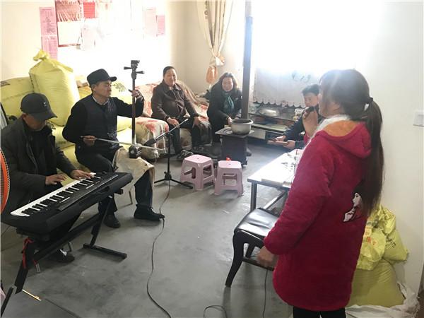 南召:贫困户马合喜的幸福生活