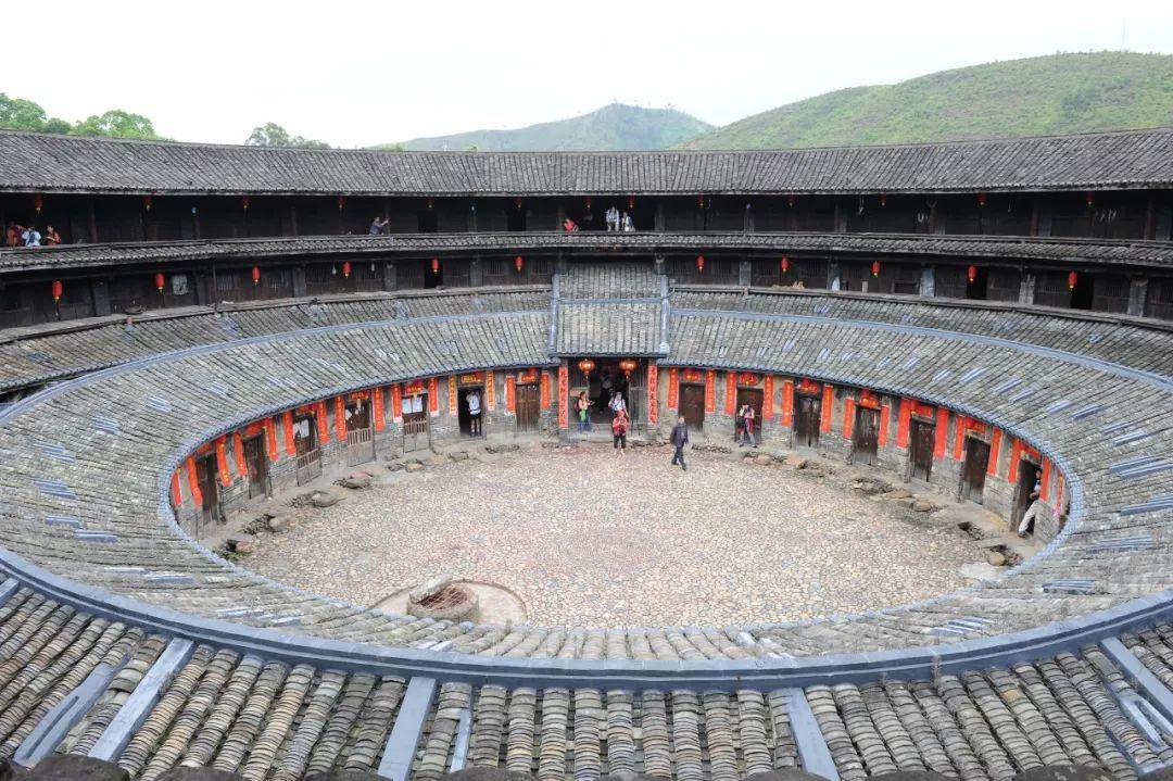 """走进""""神之围楼"""",品位客家文化——参观郑州瞻世客家文化博物馆有感"""