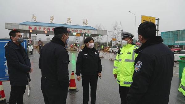 内乡县政府党组成员、公安局长崔宏伟深入一线督导检查疫情防控工作