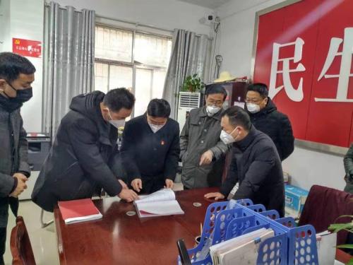 信阳槐店乡:党旗引领战疫情 党徽闪耀照初心
