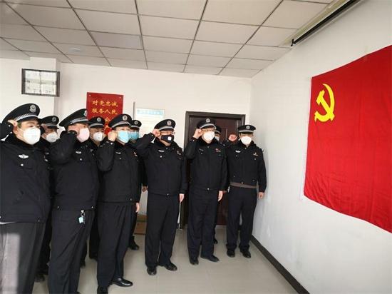 郑州市公安局东风路分局:党建引领 坚决打赢疫情防控阻击战