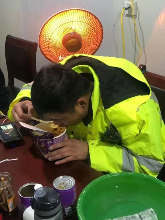 """【平安守护】抗击病毒,武陟交警""""疫""""不容辞"""