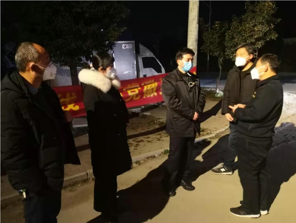 宛城区委副书记、区长樊牛到五里堡街道、溧河乡暗访督查疫情防控工作