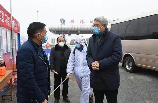 河南省长尹弘一行赴驻马店信阳检查新冠肺炎疫情防控工作