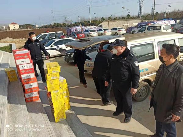众志成城  战胜疫情——爱心企业为抗击疫情的公安民警捐助物资