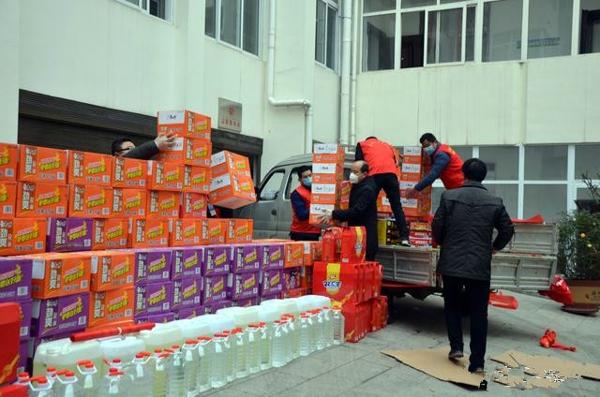 爱心彰显责任!邓州本土企业为市疾控中心捐助防疫保障物资