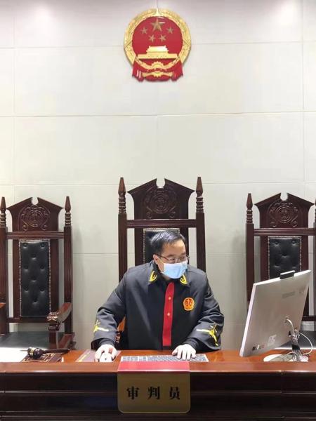 """邓州市法院庭审""""零跑腿"""" 让""""智慧法院""""开出""""便民之花"""""""