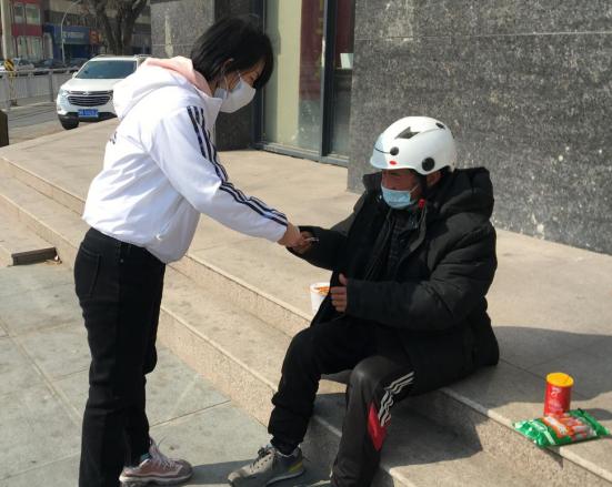 """【社区战""""疫""""】郑州市未来花园社区:决不让流浪乞讨人员成为疫情防控盲点"""