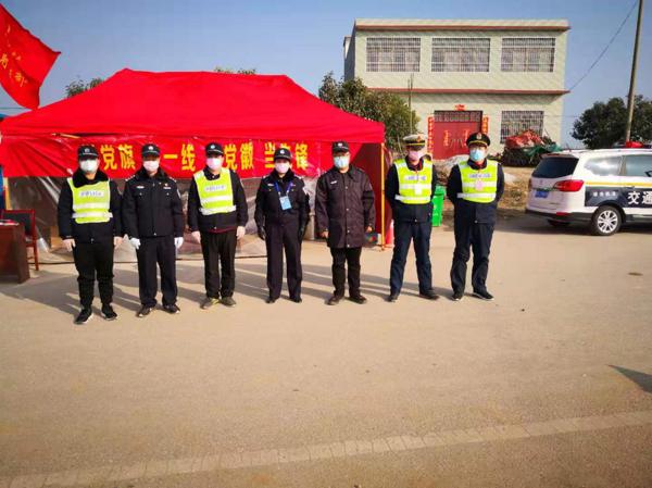 """社旗公安局出入境大队长王飞燕:""""老兵""""发挥余热坚守在抗疫一线"""