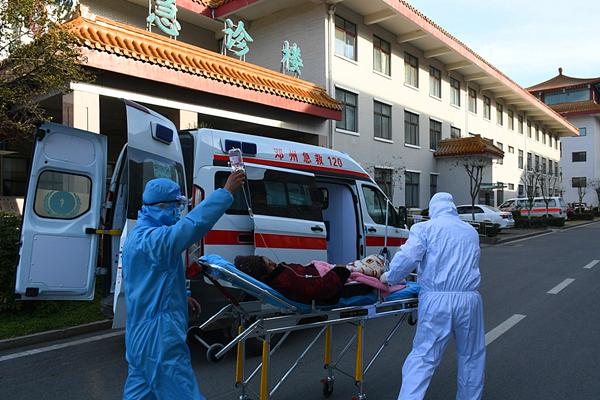 邓州市中医院120急救站全力以赴阻疫情