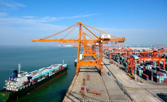 山东省港口集团集中开工建设24个重点项目 总投资达210亿元