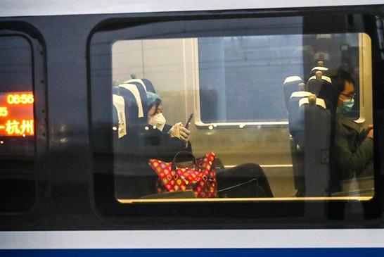 河南新乡:务工专列驶向杭州