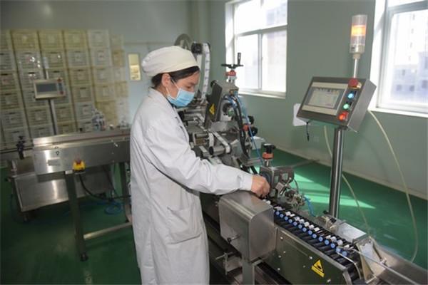 嵩县:疫情防控不忘助力企业复工复产