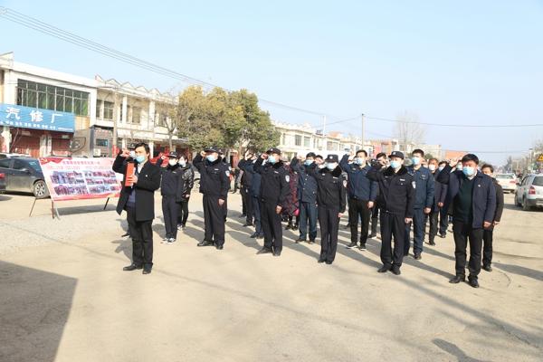 邓州市公安局六名同志火线入党