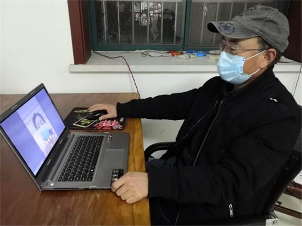 """嵩县:32名心理咨询师为焦虑群众戴上""""心灵口罩"""""""
