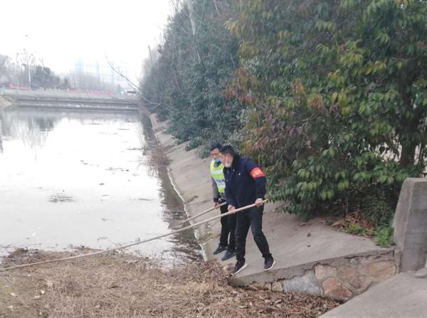 """邓州市湍河街道:""""防疫""""巡河两手抓"""