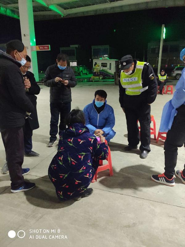 邓州:疫情中演绎出爱的接力