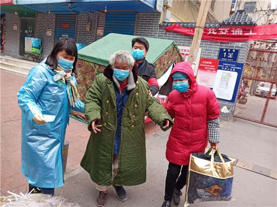 """【社区战""""疫""""】郑州新同乐社区的24小时:不落一户、不漏一人 打通疫情防控""""最后一公里"""""""