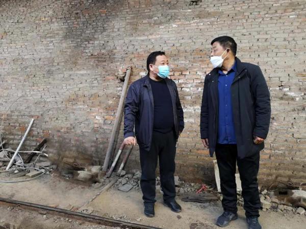 邓州法院:院长牵线搭桥忙销售 助力企业复工复产