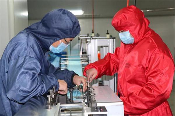 郏县:企业带头为疫情防控做贡献