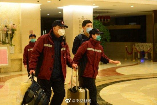 走起,回家!再见,武汉!今天,援鄂医疗队开始分批撤离。致敬英雄,一路平安!