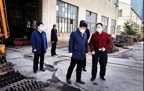 """郑州各县(市)区委统战部开展""""三送一强""""助力企业复工复产"""