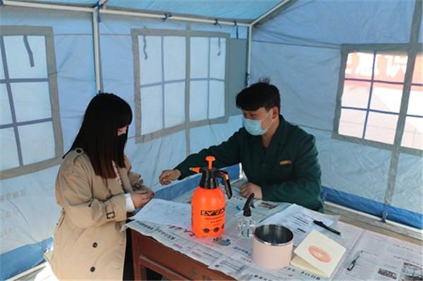 备战开学汝州市举行疫情防控模拟大演练