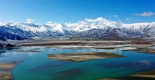 西藏:雅江银装素裹 美如画卷