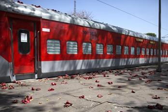 印度:约2万个火车车厢被改造成隔离病房