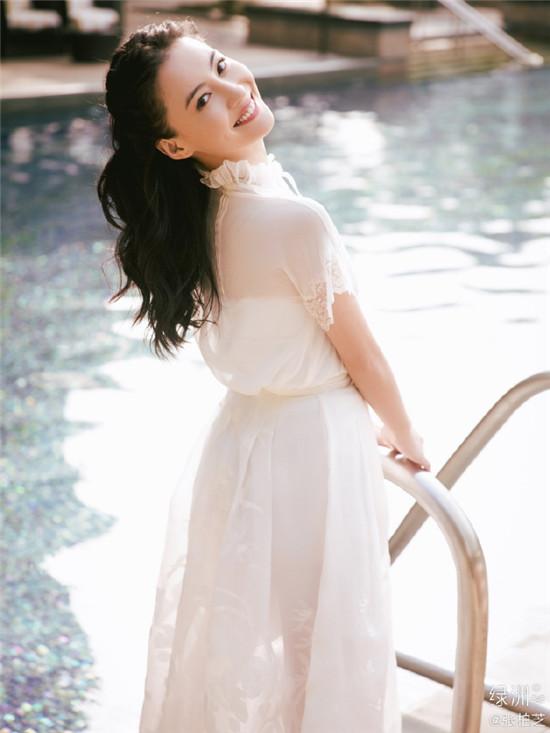"""40岁张柏芝身穿白色长纱裙似少女 盘点""""少女感""""十足的女明星们"""
